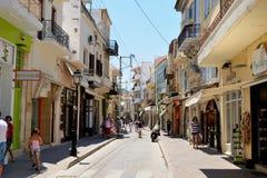 RETHYMNO, GRIEKENLAND - JULI 11: Straat Arkadiou op Juli Stock Fotografie