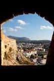 Rethymno till och med det Fortezza fönstret Royaltyfri Foto