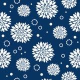 Reticolo blu e bianco senza giunte con i fiori Immagini Stock