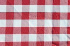 Reticolo checkered rosso del panno della Tabella Immagine Stock