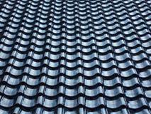 Reticolo del tetto coperto di tegoli nero fotografia stock libera da diritti