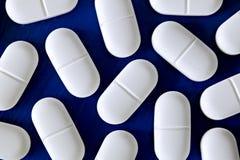 Reticolo delle pillole o dei ridurre in pani Fotografie Stock Libere da Diritti