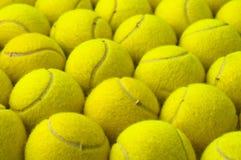 Reticolo delle sfere di tennis Immagini Stock
