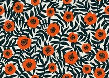 Reticolo floreale senza giunte modello rosso dei papaveri di retro stile con i fiori del papavero e fogliame verde scuro su beige Fotografia Stock Libera da Diritti