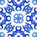Reticolo senza giunte etnico Ornamento etnico di boho Il legame astratto del batik ha tinto il tessuto, tintura di Shibori Ripeti royalty illustrazione gratis