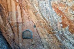 Retiefklip, in dem Voortekker-Namen auf einen Felsen geschrieben wurden Lizenzfreie Stockfotos