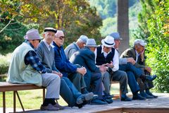 Retiremet und Sozialisieren in Balkan lizenzfreie stockfotos