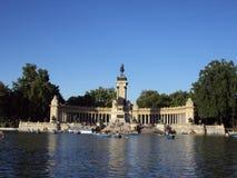 retiro parque alfonso del памятника до XII Стоковые Фотографии RF