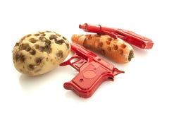 Reto Christmas-Spielwaren, Rot zwei bohren Gewehre lizenzfreie stockfotografie