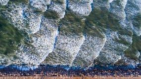 Reto dobre para baixo a opinião aérea do zangão acima de ilha tropical surpreendente Jetti do capelão Fotos de Stock