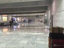 retrait des bagages du terminal 2 de naia Photos libres de droits