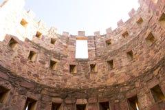 retranchez-vous avec des remparts et des murs des pierres rouges, rura de Villafames Photo libre de droits
