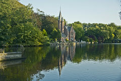 Retranchez-vous, lac de l'amour, Minnewater, Bruges, Belgique Photos stock