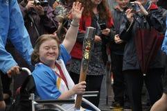 Retransmisión de antorcha olímpica 2014 Perth Escocia Reino Unido Imágenes de archivo libres de regalías