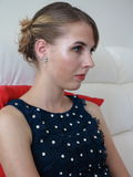 Retrato à moda da jovem mulher Imagem de Stock