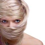 Retrato à moda da máscara do cabelo do close-up da mulher foto de stock