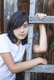 Retrato adolescente de la muchacha en el campo Melancolía Foto de archivo libre de regalías