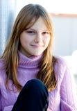 Retrato adolescente joven sonriente feliz hermoso de la muchacha Imagenes de archivo