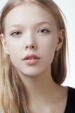 Retrato adolescente rubio hermoso de la muchacha Imagen de archivo