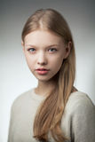 Retrato adolescente rubio hermoso de la muchacha Foto de archivo