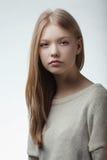Retrato adolescente rubio hermoso de la muchacha Fotografía de archivo libre de regalías
