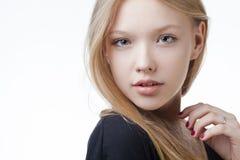 Retrato adolescente rubio hermoso de la muchacha Imagen de archivo libre de regalías