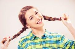 Retrato adolescente sonriente de la muchacha Imagen de archivo