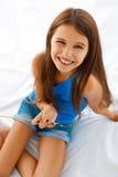 Retrato adolescente sonriente de la muchacha Fotos de archivo libres de regalías