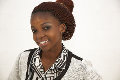 Retrato africano joven hermoso de la mujer Foto de archivo