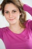 Retrato aislado del adolescente joven alegre Foto de archivo libre de regalías