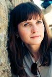 Retrato al aire libre de la mujer hermosa Fotografía de archivo
