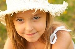 Retrato al aire libre del adolescente lindo Fotografía de archivo