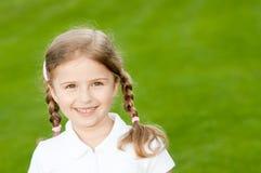 Retrato ao ar livre da menina bonita Imagem de Stock Royalty Free