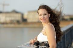 Retrato ao ar livre da mulher Imagens de Stock