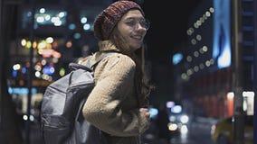 Retrato ao ar livre da mulher nova bonita fotos de stock
