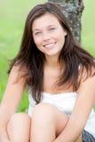 Retrato ao ar livre de um adolescente bonito Imagem de Stock Royalty Free