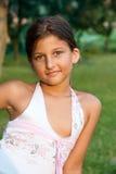 Retrato ao ar livre de uma rapariga Fotos de Stock