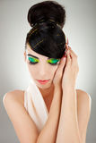 Retrato artístico del brunette joven soñador Imagen de archivo libre de regalías