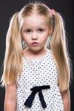 Retrato ascendente cercano de la niña Fotos de archivo libres de regalías
