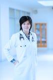 Retrato asiático novo do doutor Imagens de Stock