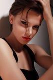 Retrato atractivo de la mujer imagen de archivo libre de regalías