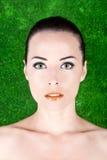 Retrato atractivo hermoso de la mujer serio imagen de archivo libre de regalías