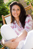 Retrato atrativo da mulher Fotos de Stock Royalty Free