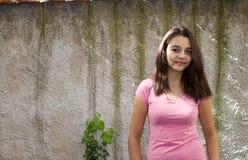 Retrato bastante adolescente de la muchacha Imágenes de archivo libres de regalías