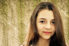 Retrato bastante adolescente de la muchacha Imagen de archivo libre de regalías