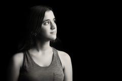 Retrato blanco y negro de un adolescente Foto de archivo libre de regalías
