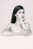 Retrato blanco y negro de una mujer Fotografía de archivo libre de regalías