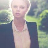 Retrato bonito da menina exterior Fotografia de Stock Royalty Free