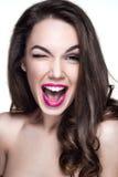 Retrato bonito da mulher com emoção na cara Fotos de Stock