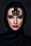 Retrato bonito da mulher no estilo do leste Imagem de Stock Royalty Free